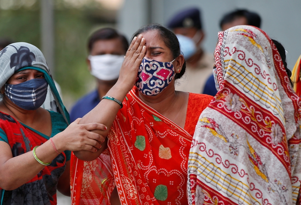 New virus deaths top 4,000 in India