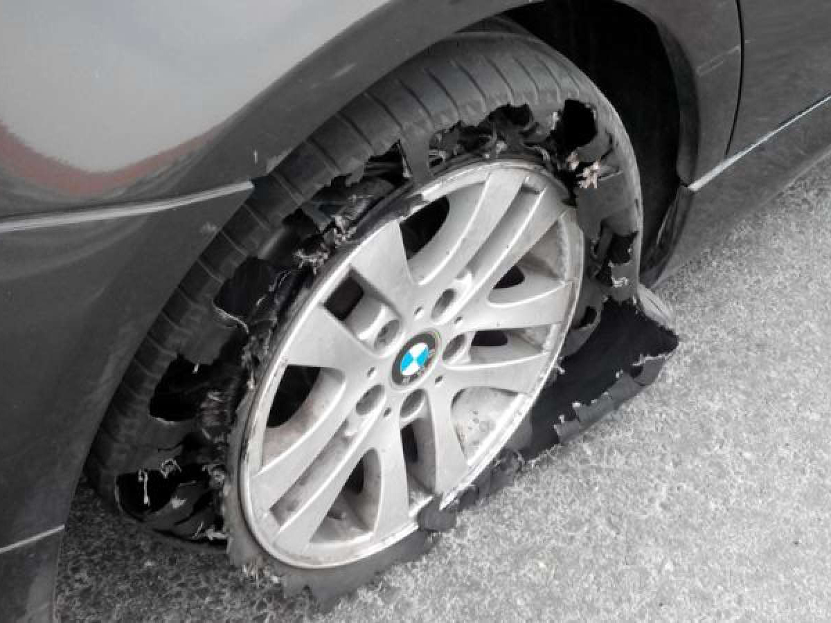 Tyre-bursts-lead-to-accidents